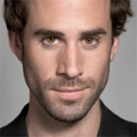 Joseph Fiennes Learned How To Relax With Max Kirsten